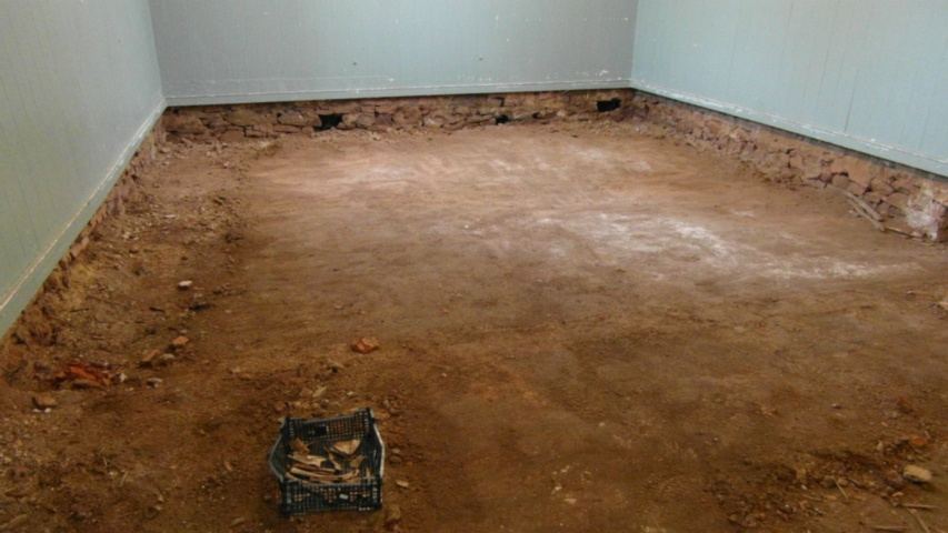 hall earthen floor 20
