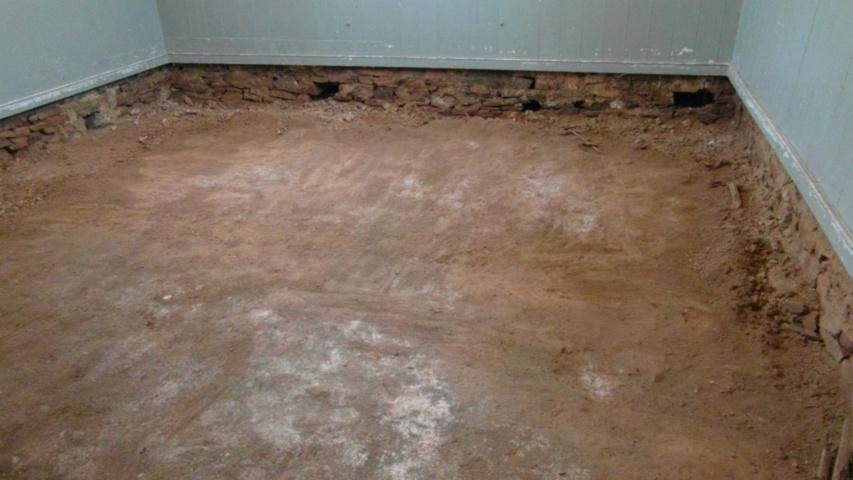 hall earthen floor 22