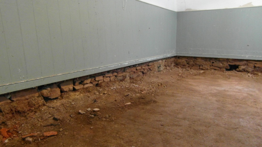 hall earthen floor 32