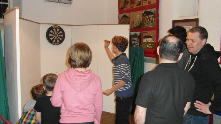 pub-games-night-darts